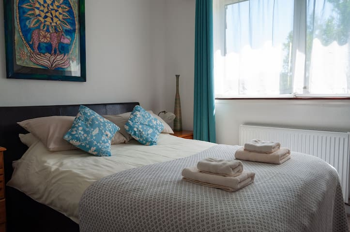 High Noon Guest house, double room ensuite
