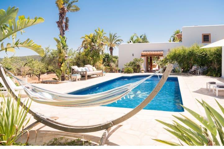 Fraaie familie Villa Can Vildu nabij San Carlos