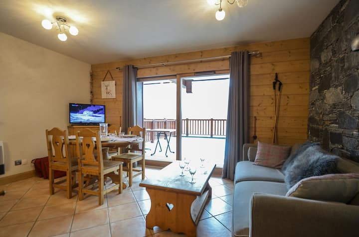 4 persons apartement ski in ski out in St Martin de Belleville