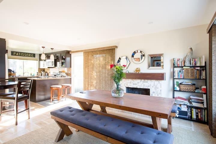 Two Handsome Rooms w/Private Bath Near Malibu - Agoura Hills - Casa