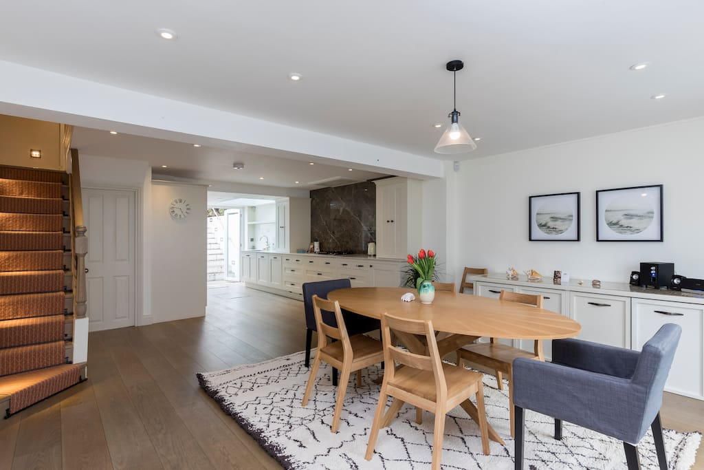 The open plan kitchen and dining space
