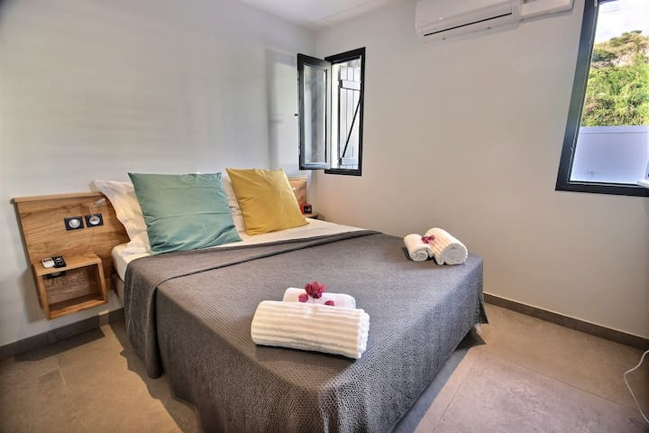 Chambre double climatisée villa Sainte Philomène en Martinique