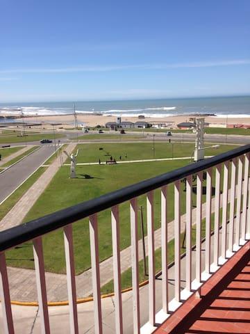 Excelente departamento frente al mar en Miramar