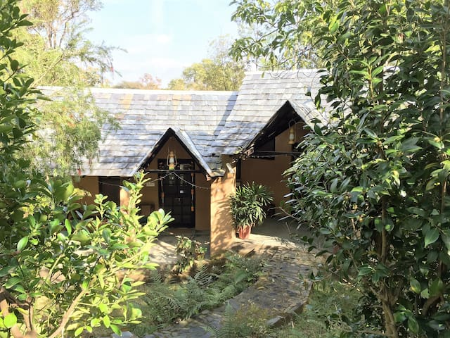 Garden Cottage at Andretta Artist Colony - Kangra - Apartmen