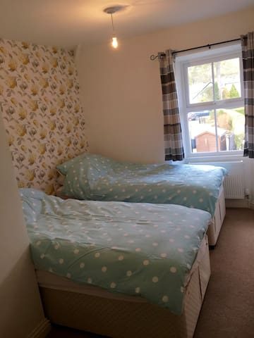 Twin room with own loo