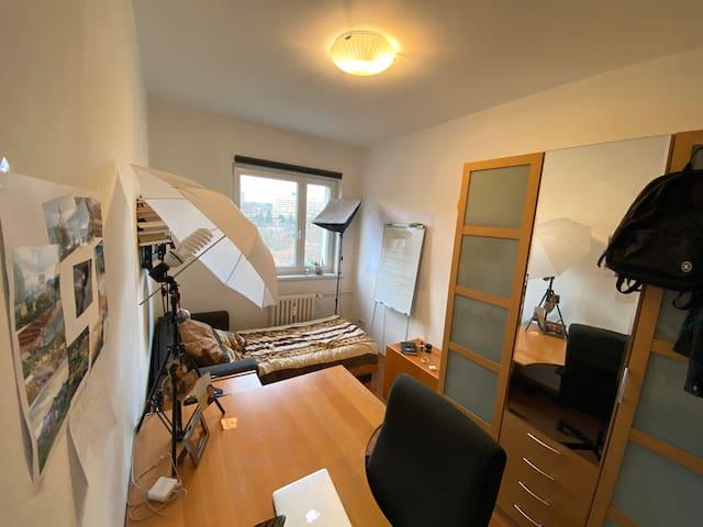 Cozy Room close to Ku'Damm in Charlottenburg