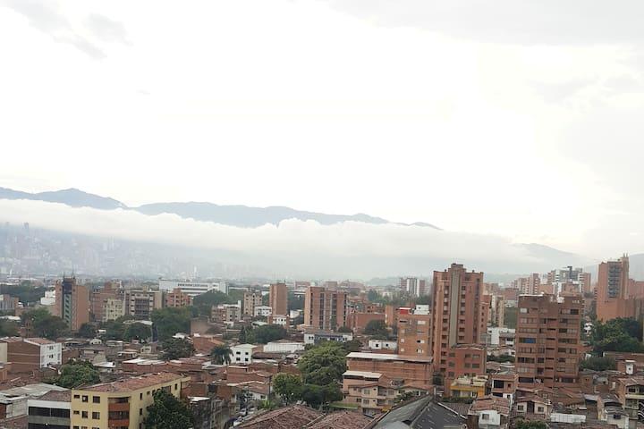 BEST LOCATION IN MEDELLIN!!! / LA MEJOR UBICACIÓN! - Medellín - Apartmen