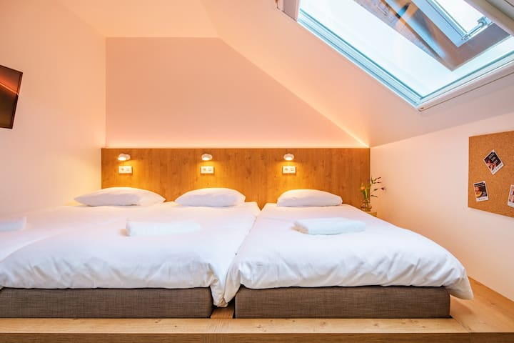 STAY TOGETHER IN OUR BUNK ROOM FOR 3 WITH EN-SUITE