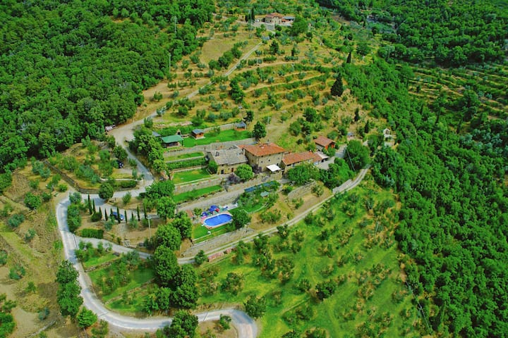 Lovely Cottage in Cortona with Pool and Stunning Views