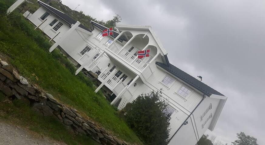Stakland - Tysvær - Haus