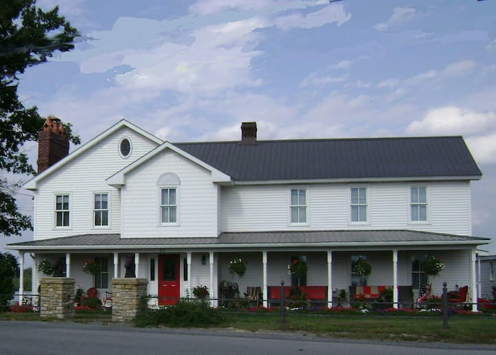 Mountainview Farms B&B (Second Hand Rose Room)