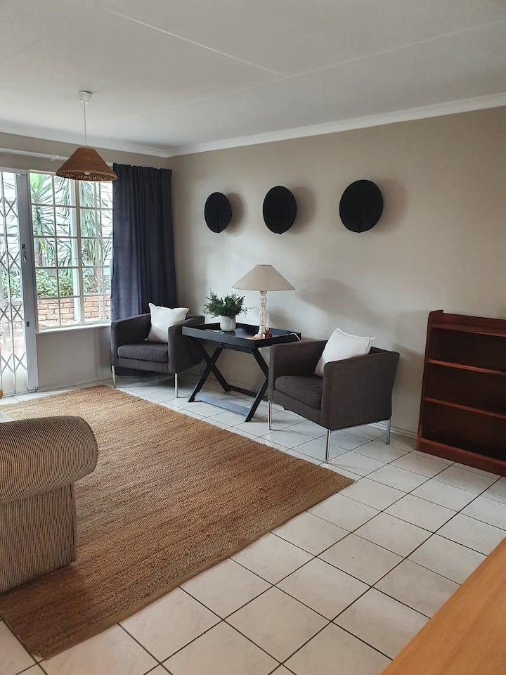 Fern Cottage - Beautiful and spacious Apartment!