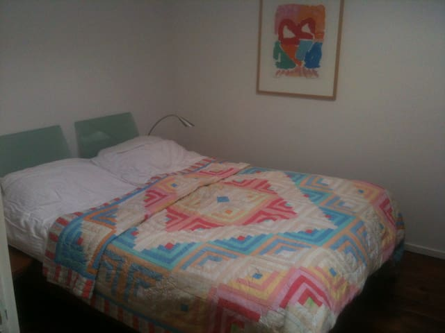 Bedroom with double bed 90x90x200