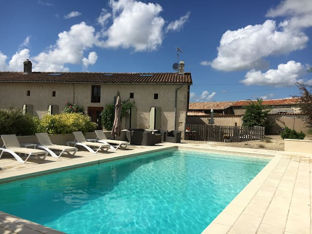 Luxury French Holiday Home with Pool - Sainte-Souline - House