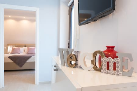 Ilove Rome Apartments  by Valerio and Laura