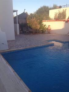 A côté de la mer très belle villa ! - Aghir - Casa de camp
