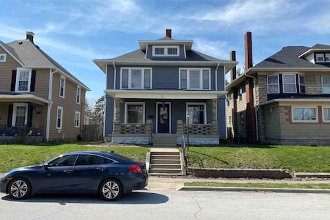 Historic Home, Quiet, 10 mins to Fountain Square