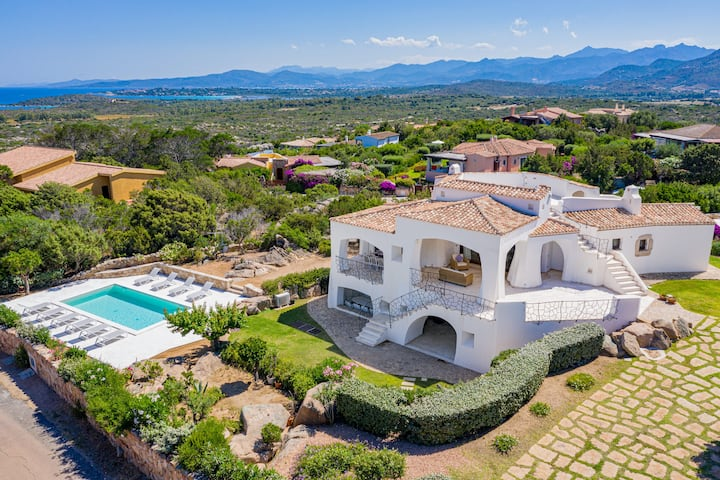 Villa Adele, sea view, pool, 700mt from the beach