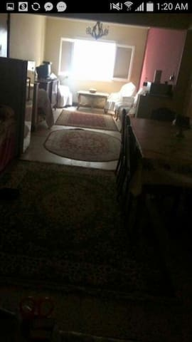 Sunny private double room (Ladies only)at el Dokki