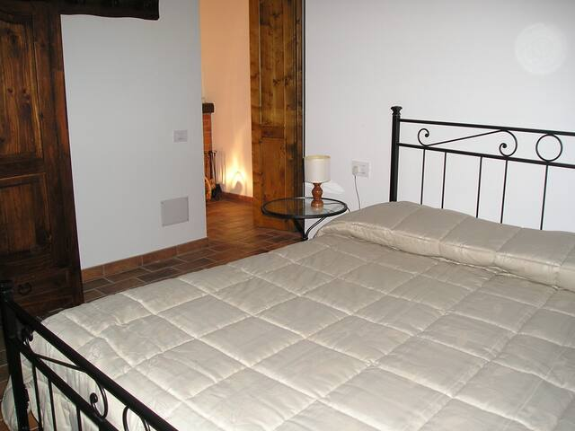 NEL CUORE DELLE COLLINE UMBRE.... - Baschi - Apartamento