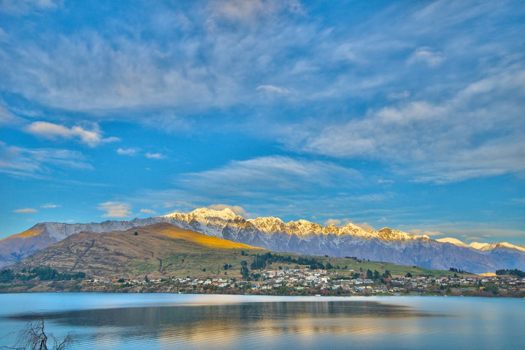 Uninterrupted views of the lake and Remarkables Range