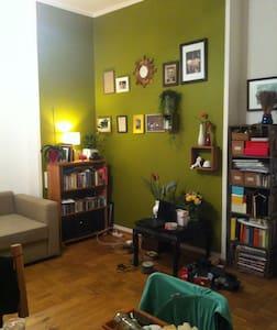 Gemütliche Whg im Altbau (Fotos kommen) - Berlin - Apartament