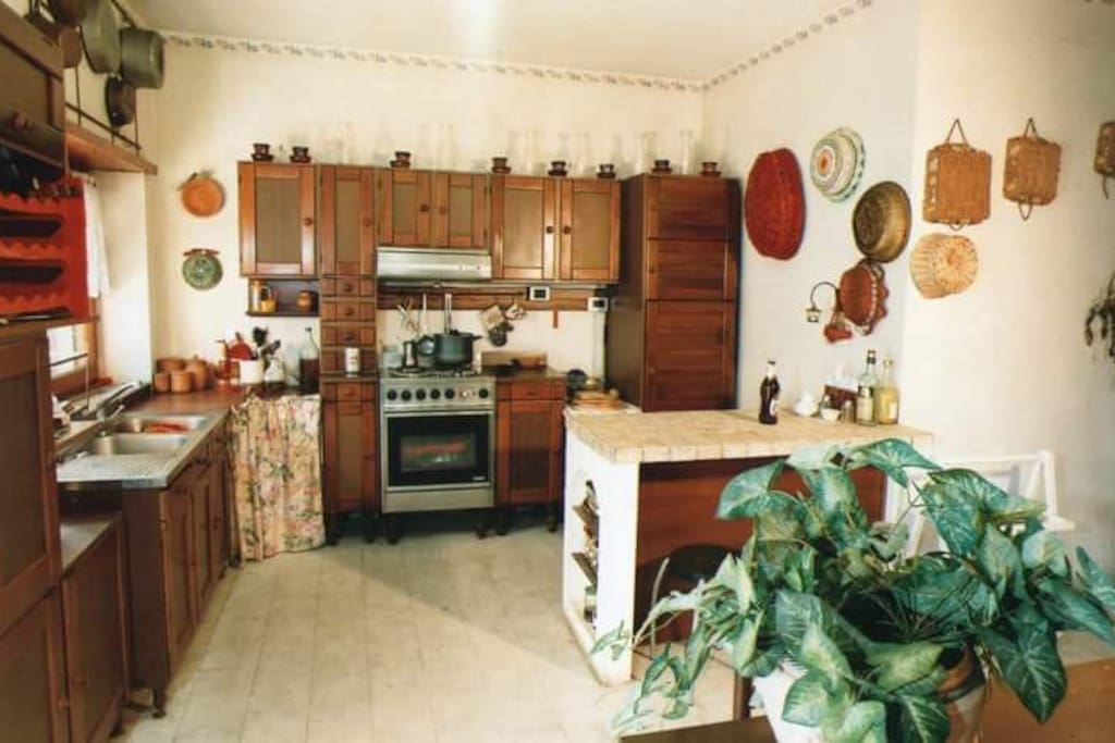 kitchen full equipped