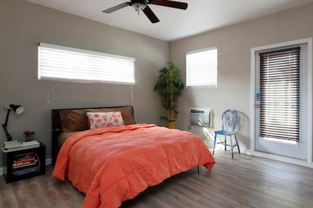 5 mins to beach, 8 mins to airport - Hollywood