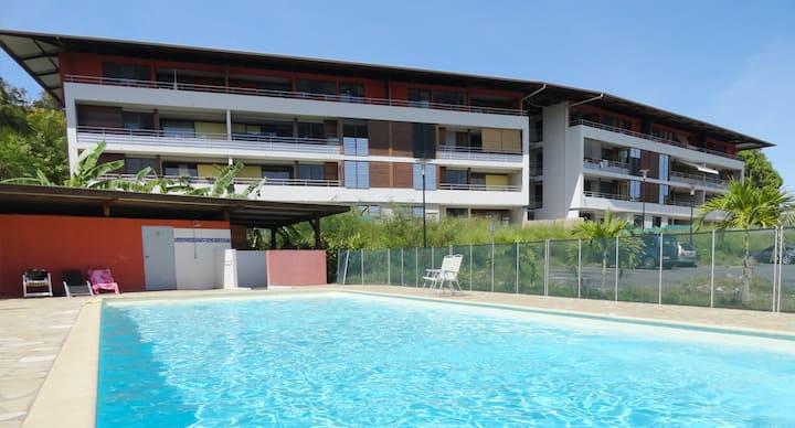 Chambre dans appart T3 jardin privé et piscine co