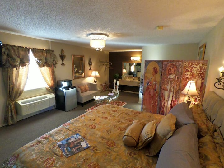Suite 206 - Tradewinds Lodging and B&B