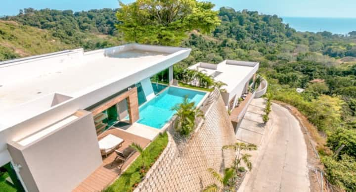 Luxury Villa with Oceanview: Villa 12 Las Flores