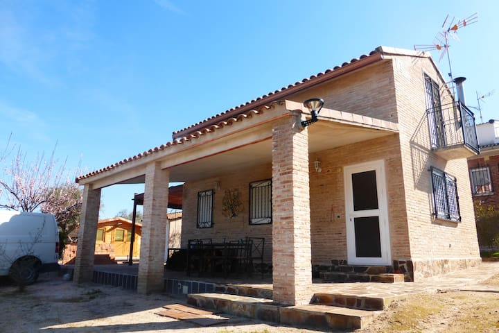 Beautiful Villa with big pool as holiday home - Escalona del Alberche - Hus