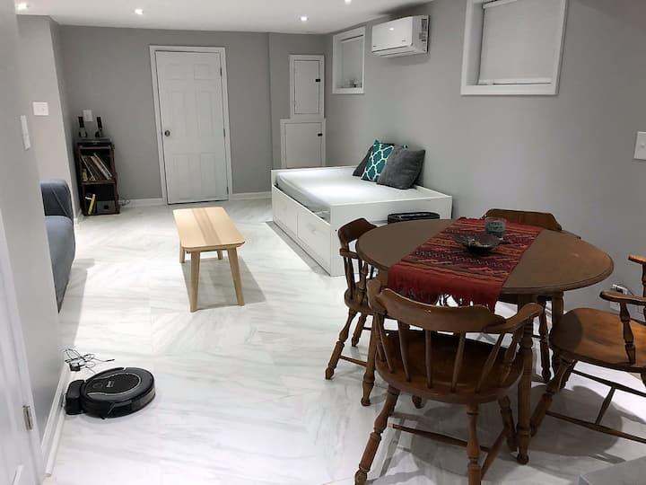 Ale's private basement apartment w/kitchen in DC