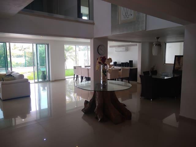 Hermosa Casa Vacacional En Zona Hotelera Cancun