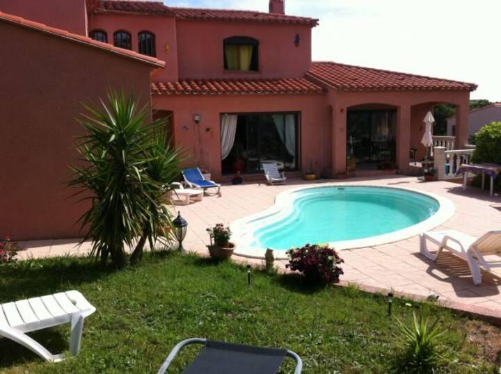 villa climatisée et piscine privée à Collioure