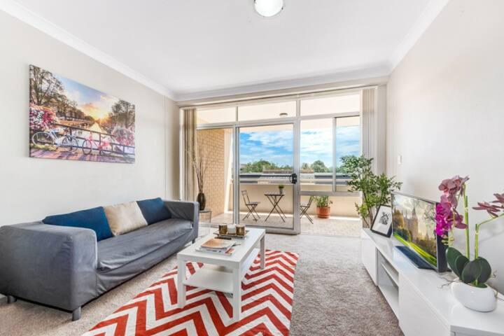 Large newly renovated apartment - Ashfield - Wohnung