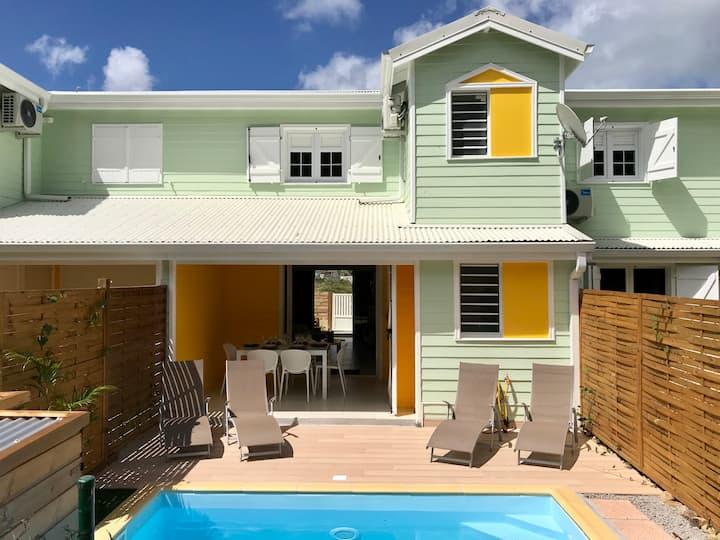 Jolie maison neuve, 4 pers, piscine + plage à 800m