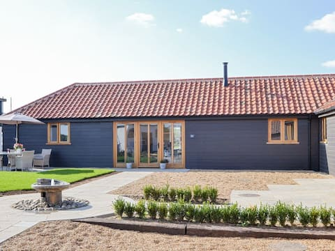 Mabels Stable:charming barn for a family or couple