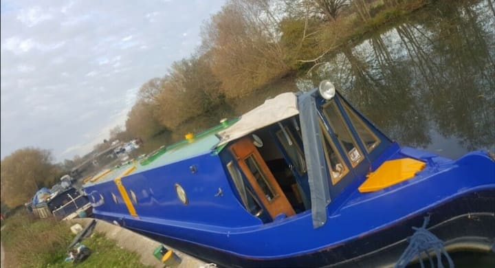 Narrowboat Holiday on The Thames from Wallingford