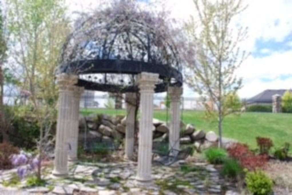 Landmark Dome, dripping with Wisteria