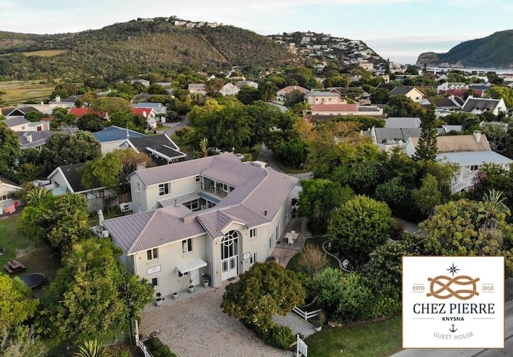 Comfortable room with Double bed in Knysna