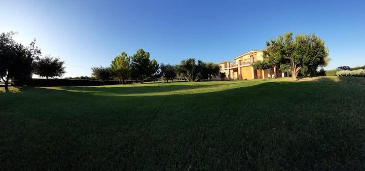 Soggiorno a Villa Martina bed and breakfast