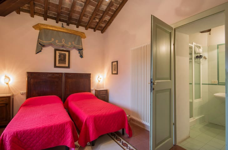 Bedroom with panoramic view and 2 separate beds