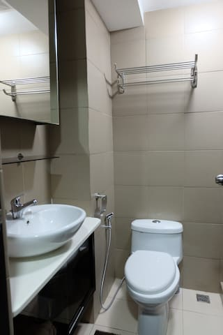 Studio unit in Cubao with wifi and netflix