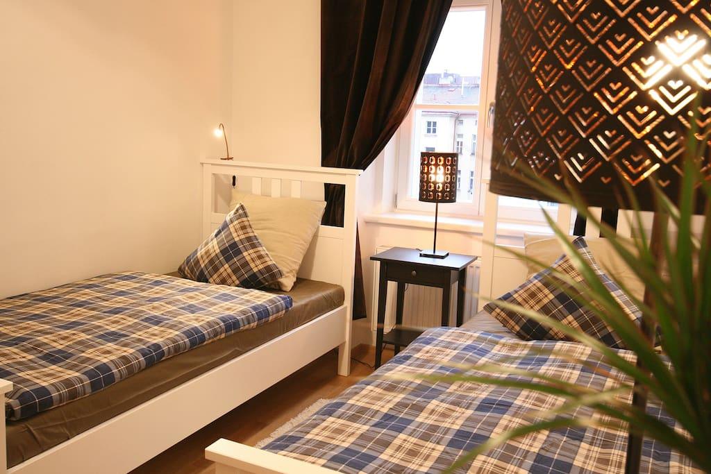 Bedroom 2 with  2 separat beds