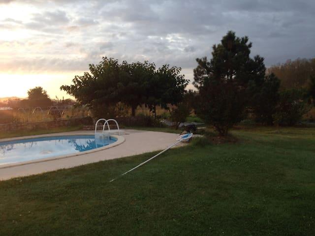Belle Villa moderne avec piscine - Villeneuve-sur-Lot - Rumah
