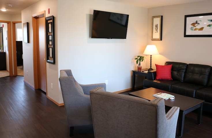 Autumn Leaf Furnished Apartments - Apartment, 2 Bedrooms