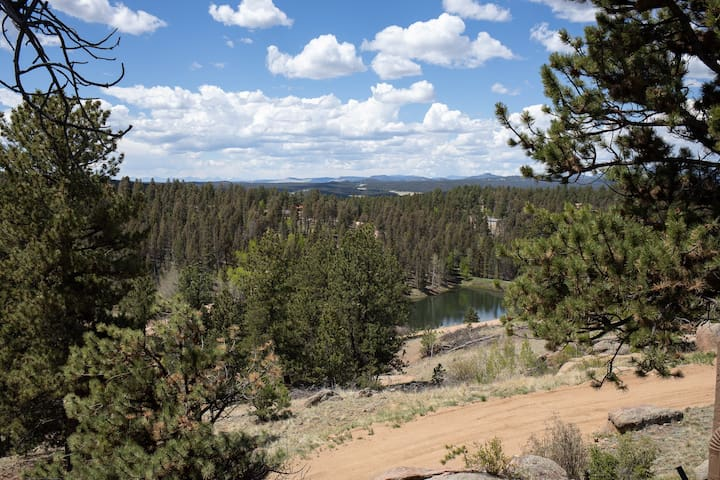 2 Room Suite#16 Hike/Fish/Play/Horse Back Rides
