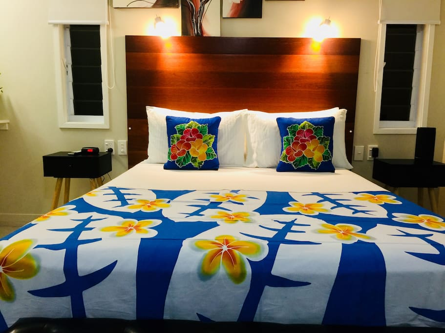 Tropical decor and a super comfy bed