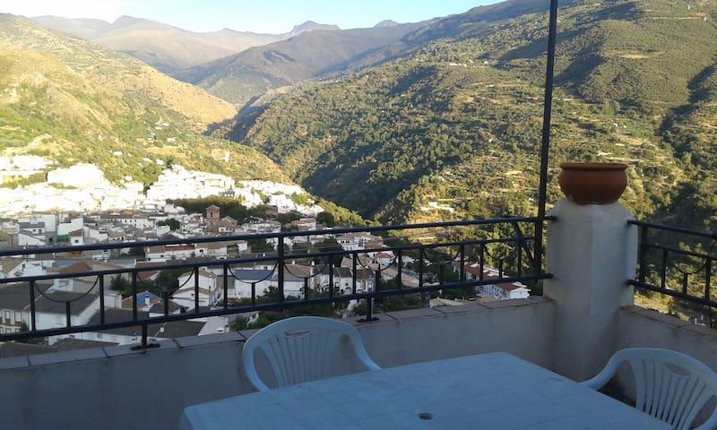 maravillosas vistas a Sierra Nevada - Güejar Sierra - Dům